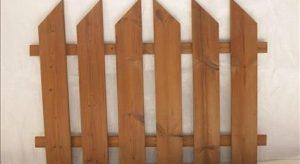 نرده چوبی باغچه
