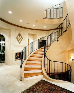 پله خم چوبی