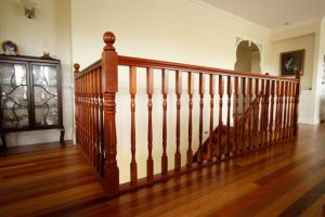 نرده چوبی راه پله